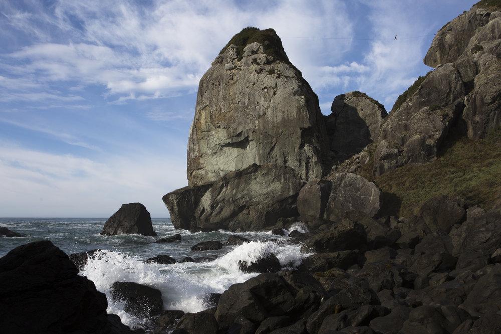 highline-over-cliffs