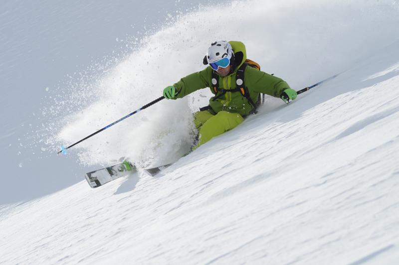 Dynastar CHAM 117 skiing 02