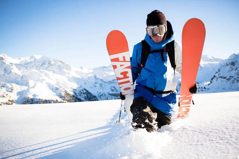 Френският професионален скиор Кандид Товекс