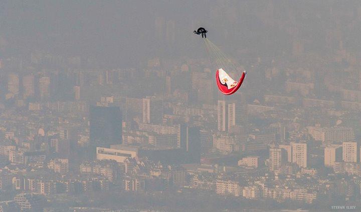 Снимка на седмицата - Весо Овчаров над София
