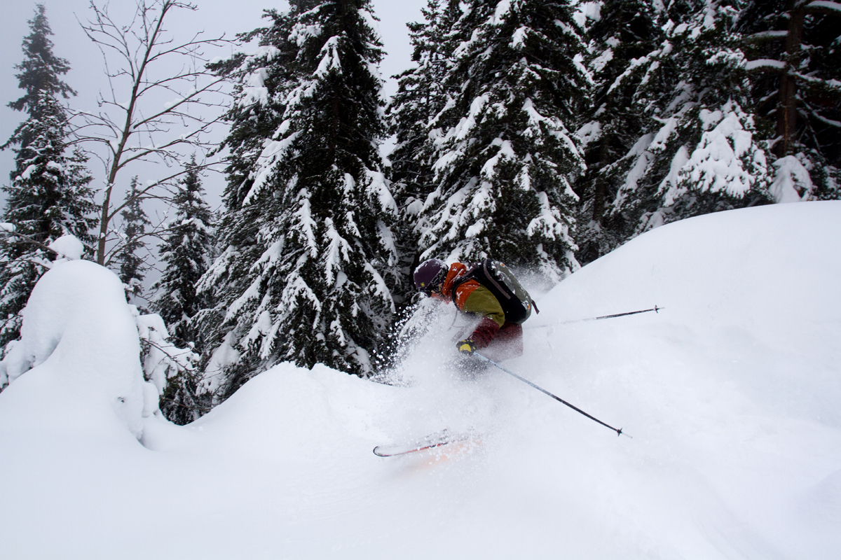 Skiing_Powder_02