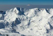 Склонът на Дончови Караули заснет след най-обилния снеговалеж за миналия сезон.