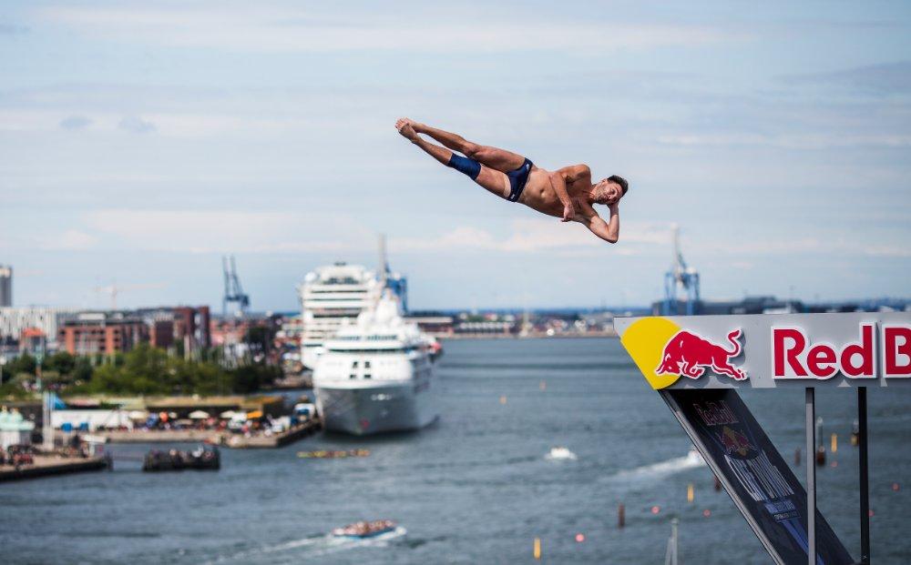 Блейк Олдридж. Снимка: Red Bull Cliff Diving