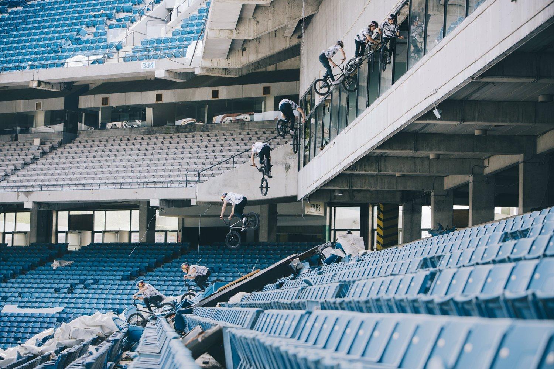 """Филм на седмицата: BMX на изоставен стадион - Тайлър Фърненгъл - """"Силвърдоум"""""""