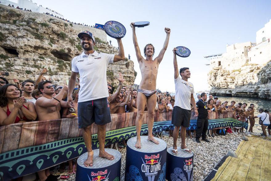 Победителите при мъжете: Джонатан Передес, Гари Хънт и Орландо Дуке