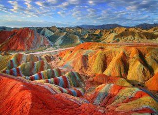 The Rainbow mountain, Китай