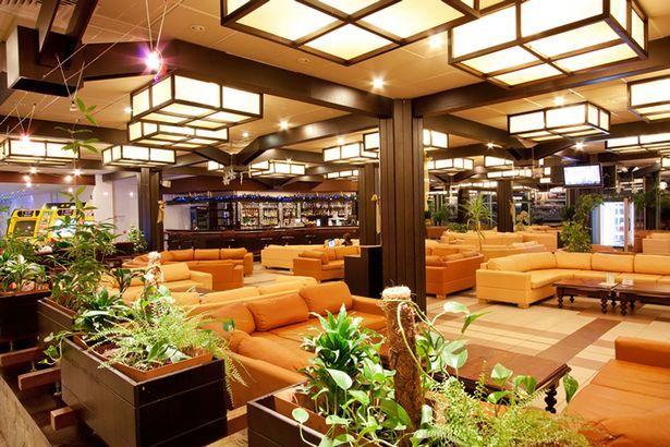 Препоръчва се: барът на хотел Рила. Снимка: Mirror