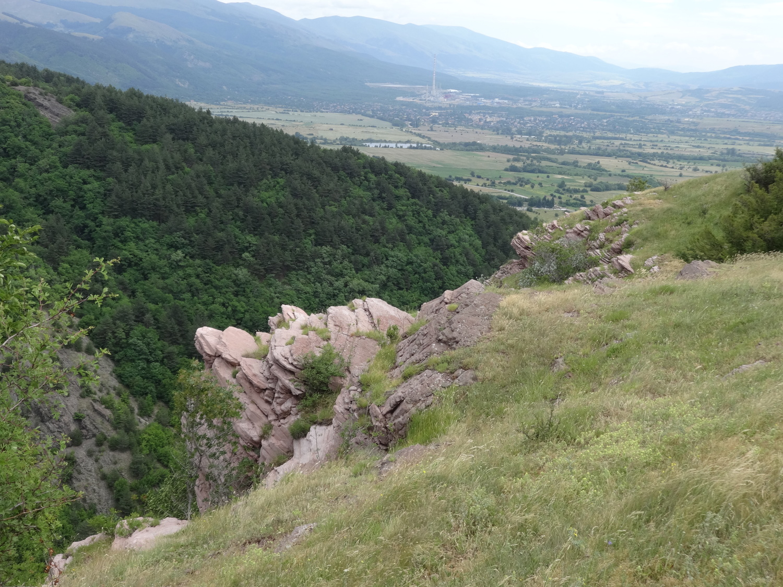 Червени камък, Челопеч