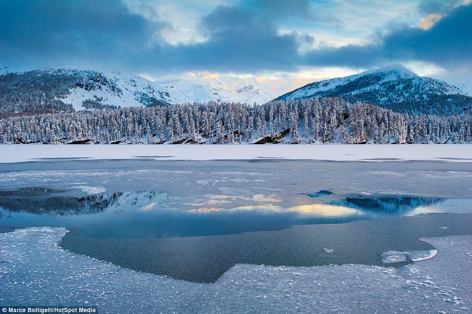Алпите от най-високата жп линия в Европа. Снимки: Marco Bottigelli,Francesco Vaninetti/HotSpot Media