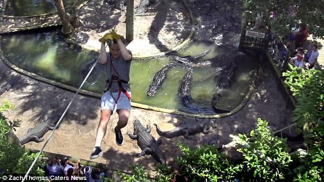 Да увиснеш над яма с крокодили