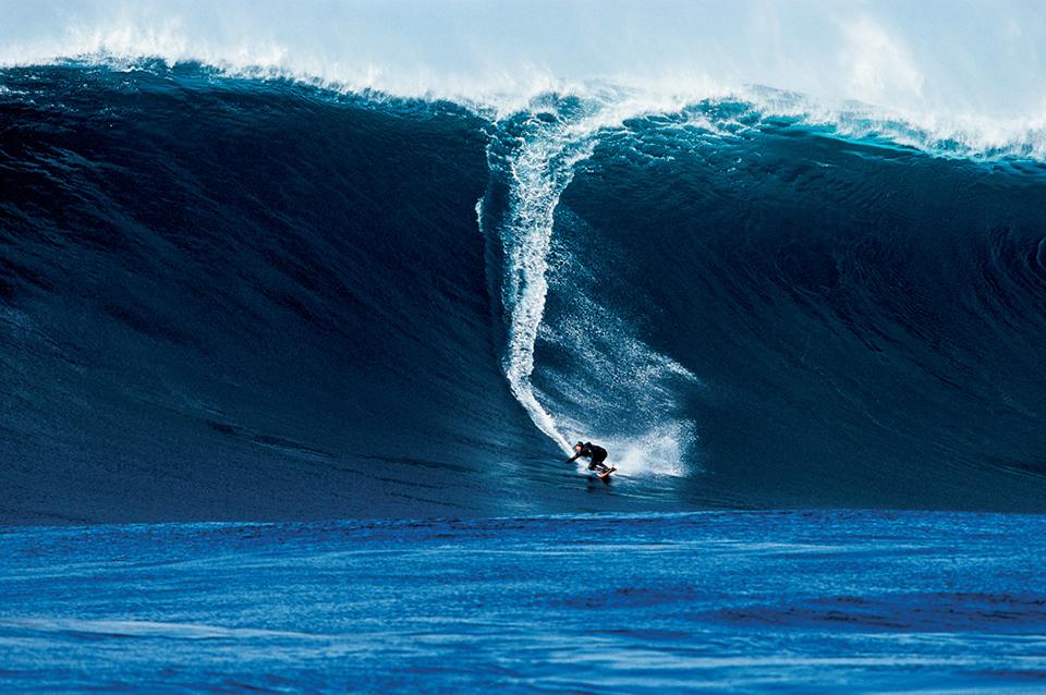 Страховити вълни