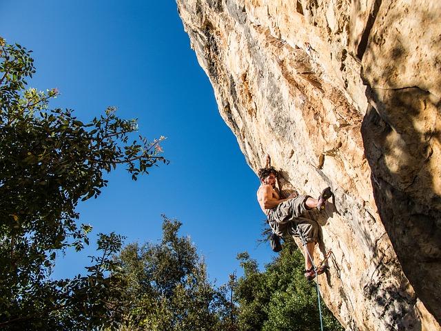 rock-climbing-690674_640