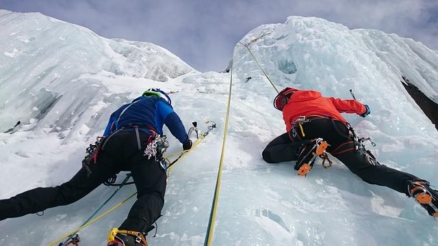 ice-climbers-1247610_640