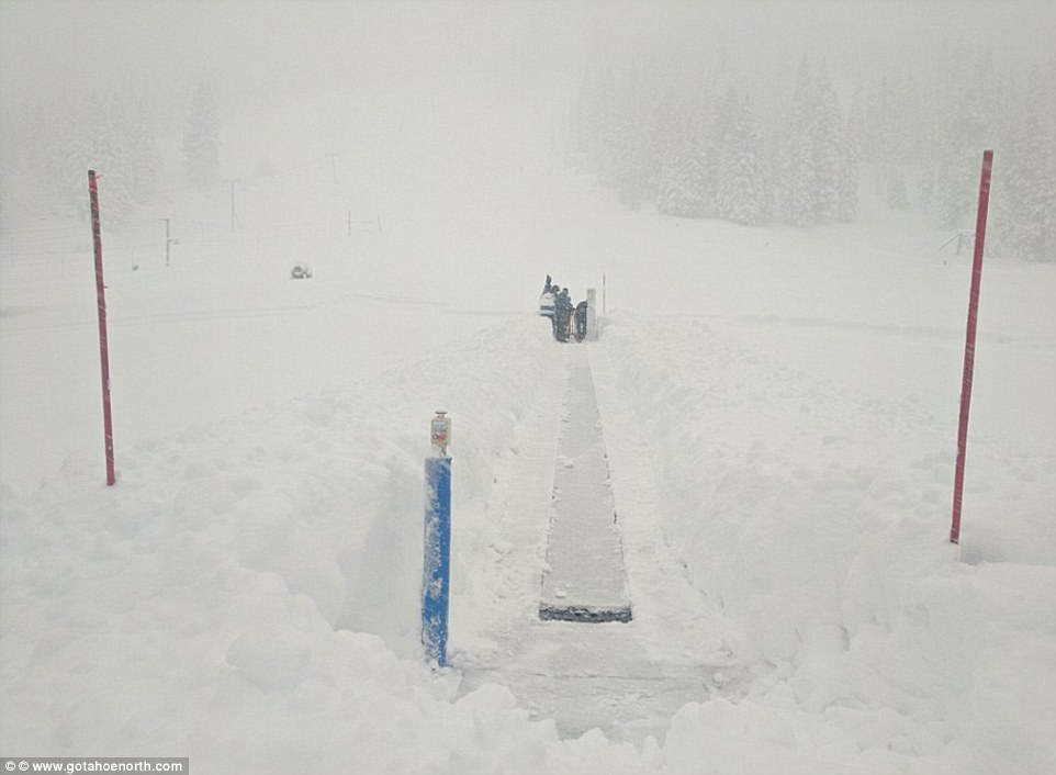 На ски през юли