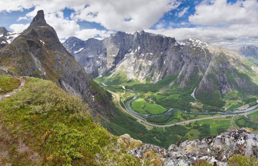 долината Ромсдал Норвегия стената Трол