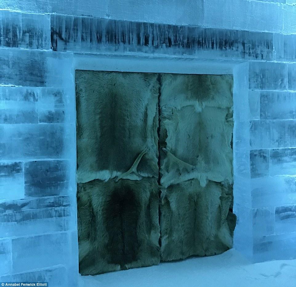 Нощувка сред блокове лед