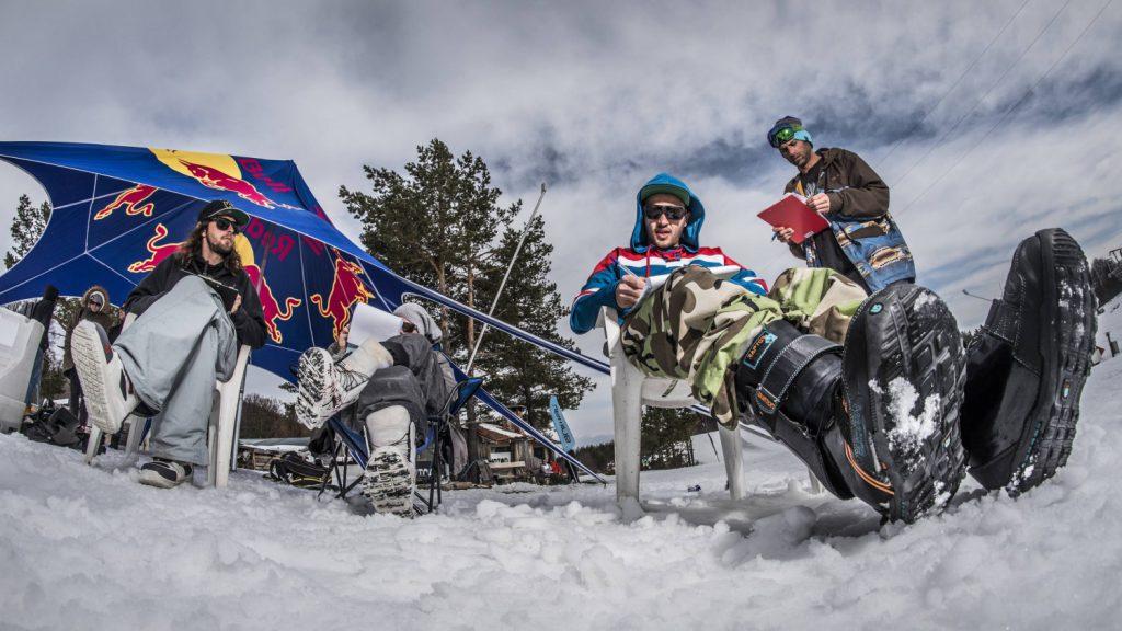 Red Bull FRAGMENTS Съдии
