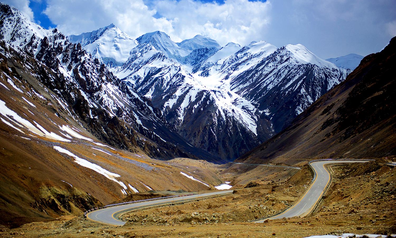 Пътят през Каракорум, снимка: Najeeb Mahmud
