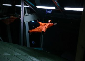 Уингсют на закрито - рекорд