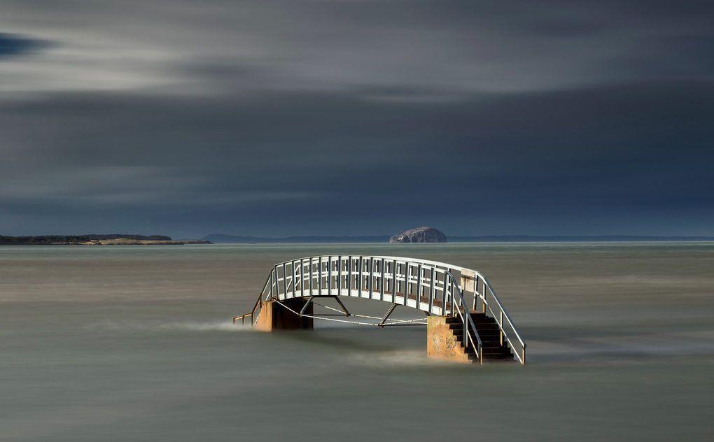 Мостът Белхейвън