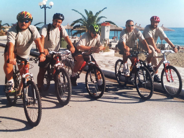с велосипеди на Олимп